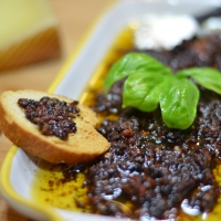 Sun-Dried Tomato & Kalamata Olive Dip