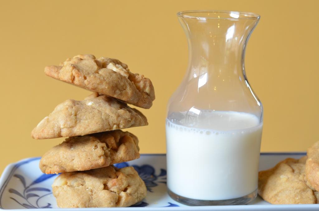 Cookies w/ Milk